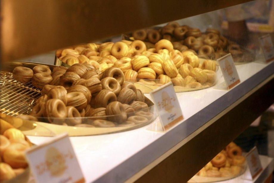 Ces délicieux petits beignets font courir les foules au Tokyu Food Show. | 25 mars 2013