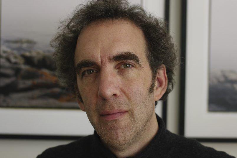 Sylvain L'Espérance en est à son troisième documentaire... (Photo: fournie par Les films du tricycle)