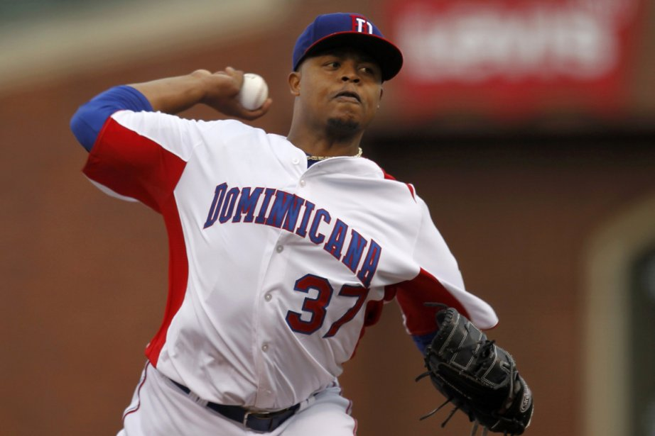 Edinson Volquez... (Photo Robert Galbraith, Reuters)