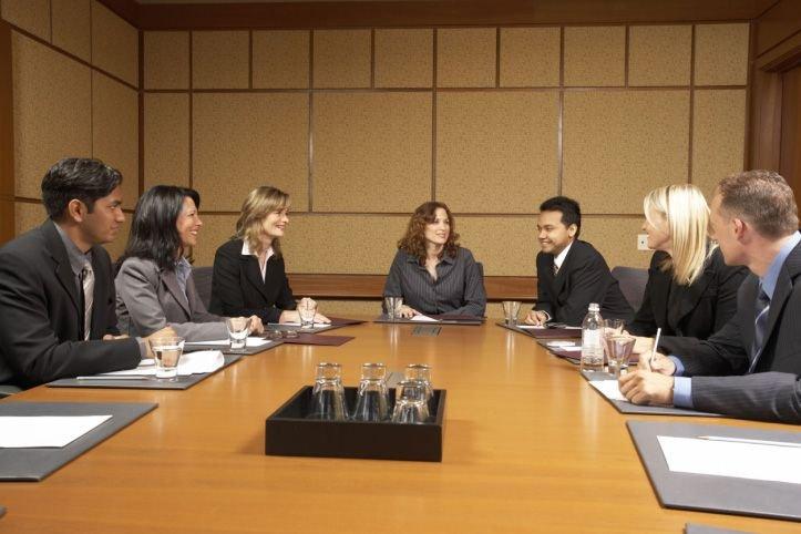 Les femmes qui siègent aux conseils d'administration sont plus... (Photos.com)