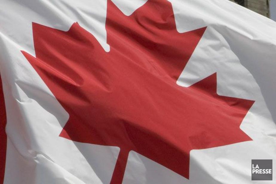 Les industries productrices de services ont progressé de... (Photo La Presse Canadienne)
