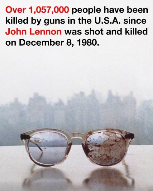 Yoko Ono a fait publier un photomontage des... (Photo Reuters)