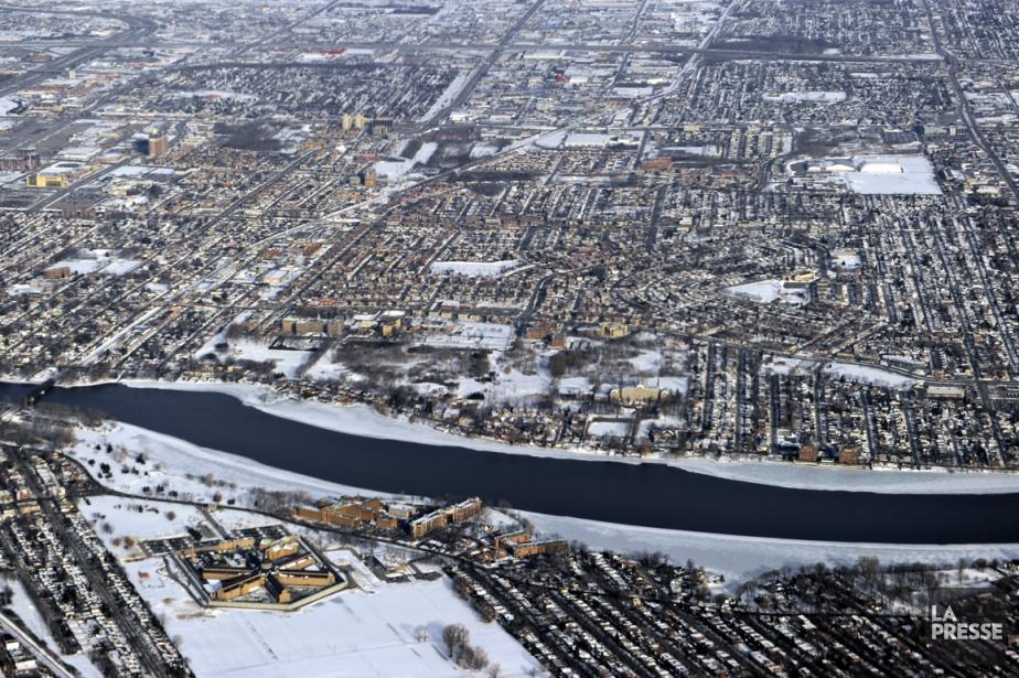 Vue aérienne de Laval.... (Photo Bernard Brault, La Presse)
