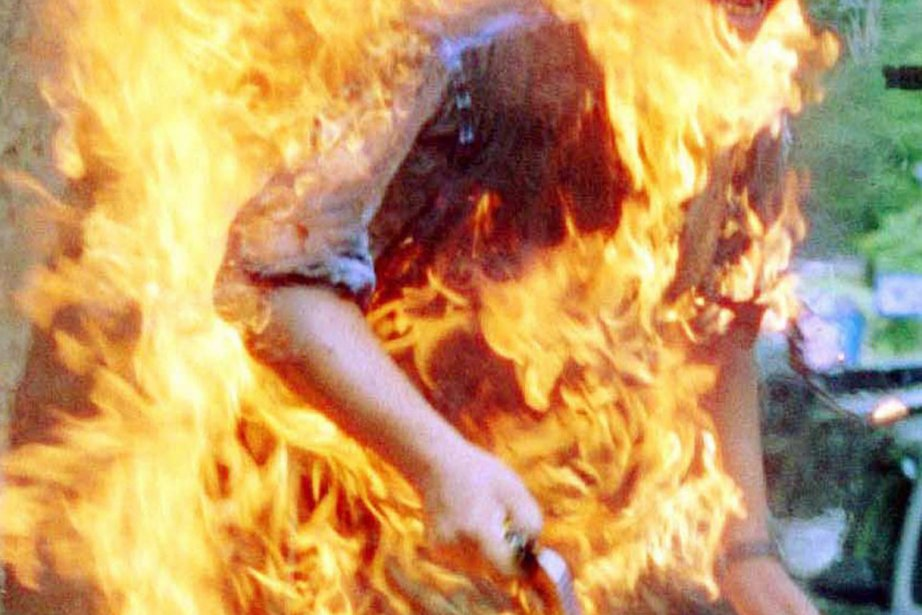 Un Indonésien s'est immolé par le feu sur son lieu de... (Photo archives Reuters)