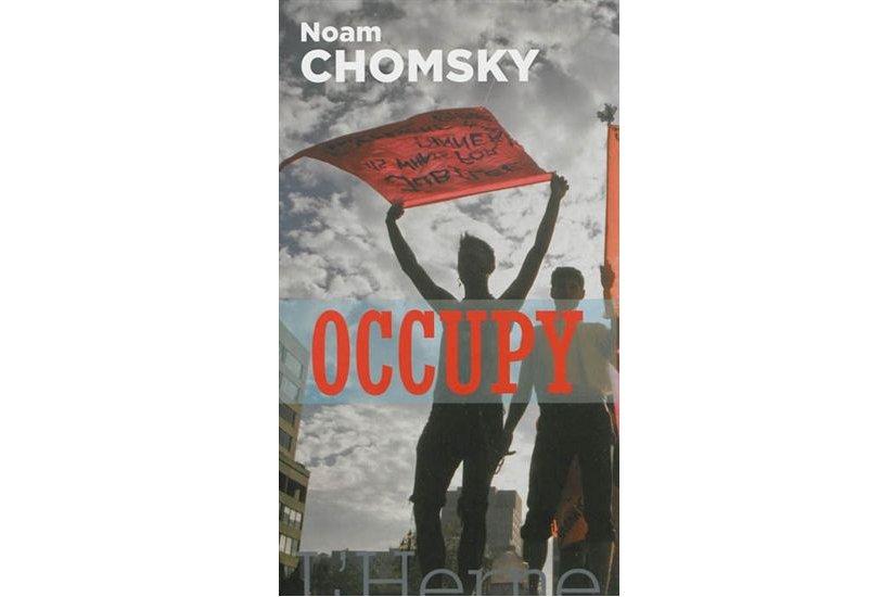 Noam Chomsky, l'un des penseurs militants les plus influents de notre  époque,...