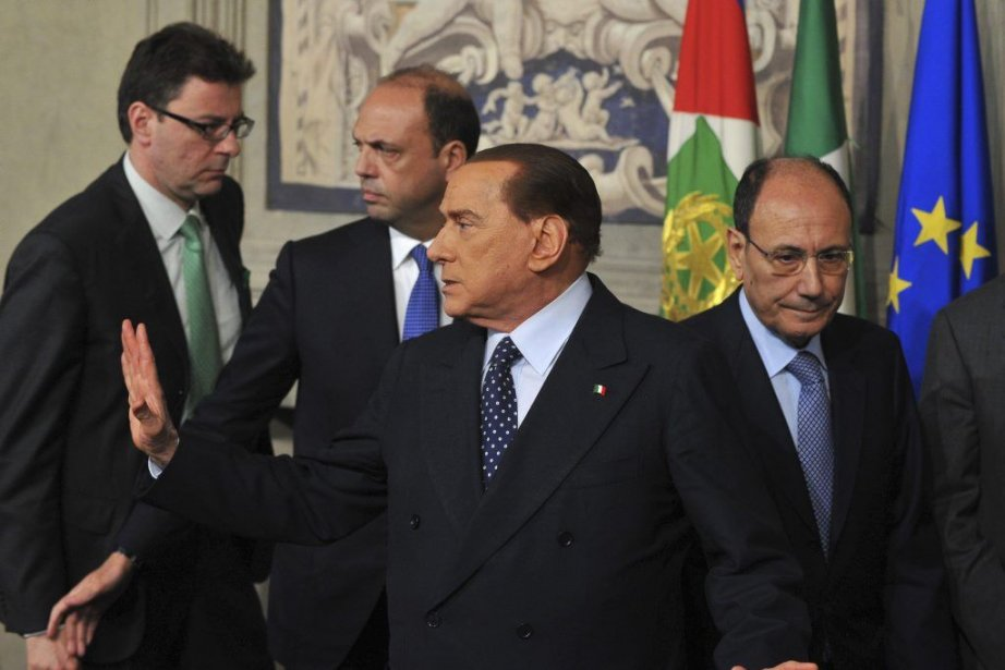 Silvio Berlusconi, leader du parti de centre-droite Peuple... (PHOTO TIZIANA FABI/ AF)
