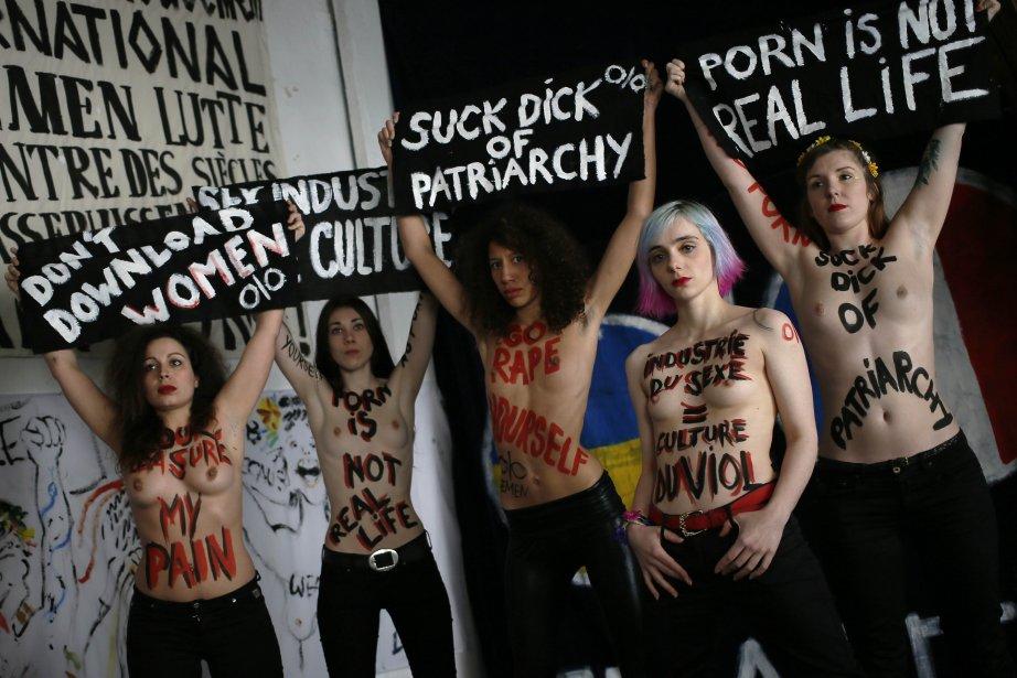 Commandos de jeunes et jolies filles qui manifestent... (Photo Kenzo Tribouillard, Agence France-Presse)