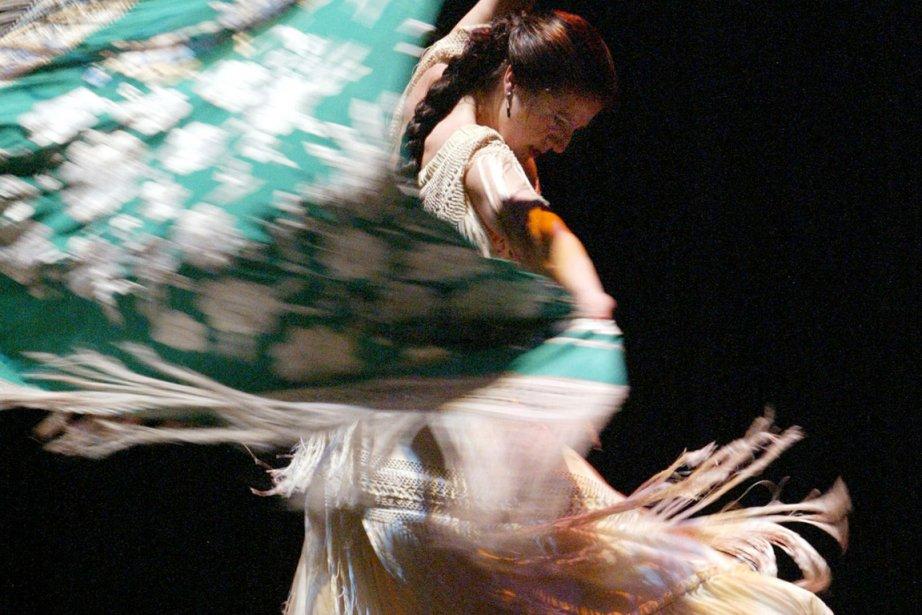 Accompagnée de sept danseurs de sa compagnie et... (Photo fournie par Danse Danse)