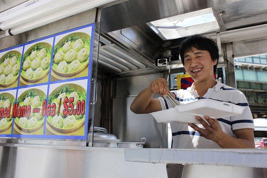 Un vendeur de nourriture de rue, à New... (Photo: archives Reuters)