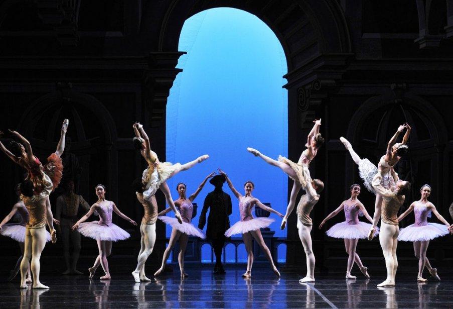 Le Royal Winnipeg Ballet du Canada présente la Belle au... | 2013-04-04 00:00:00.000