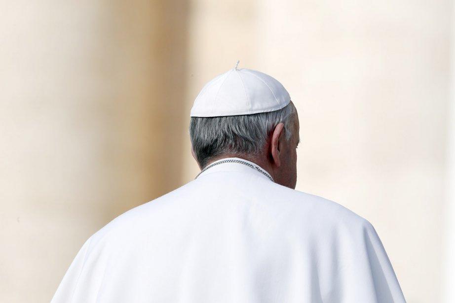 Dans la lignée de son prédécesseur, le pape... (PHOTO STEFANO RELLANDINI, REUTERS)