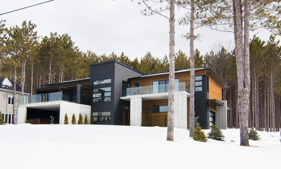 Orford maison contemporaine pour f ter en grand val rie for Architecte maison moderne quebec