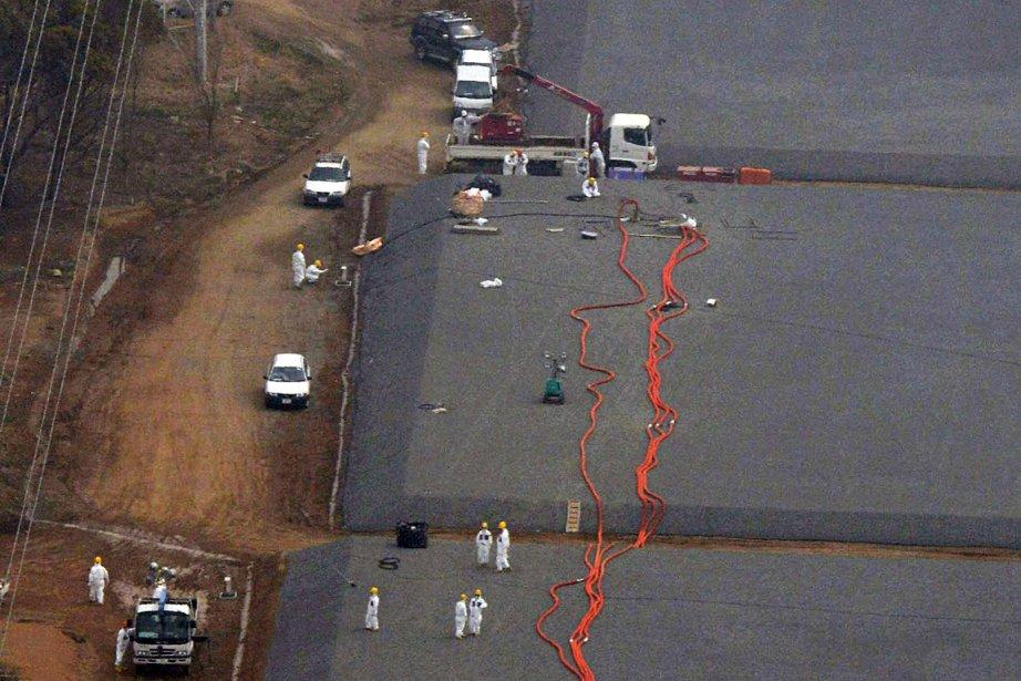 Sur la photo apparaissent des réservoirs d'où de... (Photo: Reuters/Kyodo)
