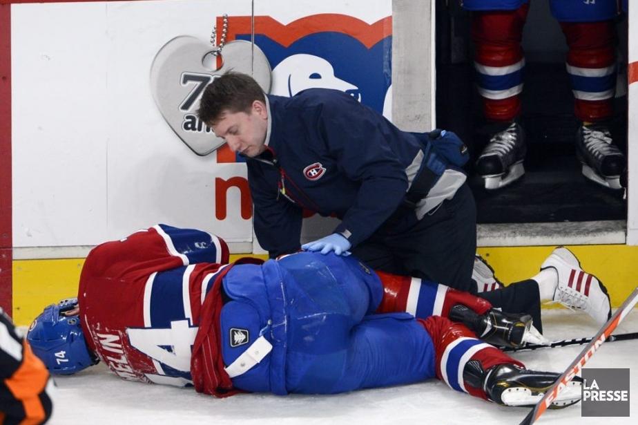 Alexei Emelin s'est blessé samedi en entrant en... (PHOTO RYAN REMIORZ, PC)