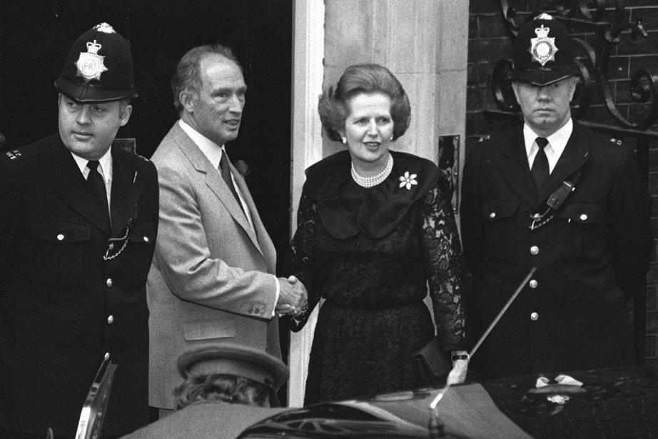 L'ex-première ministre britannique Margaret Thacher, en compagnie de... (PHOTO ARCHIVES PC)