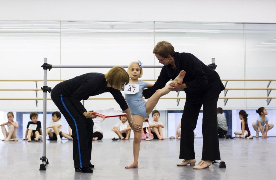 La petite Adelaide Feldman est évaluée par des professeurs | 9 avril 2013