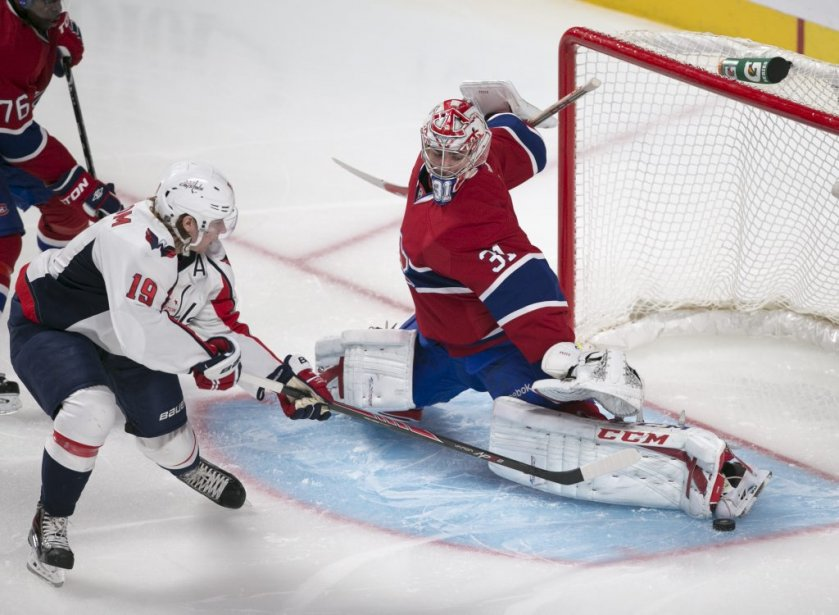 Carey Price se dresse pour sauver un but. | 9 avril 2013