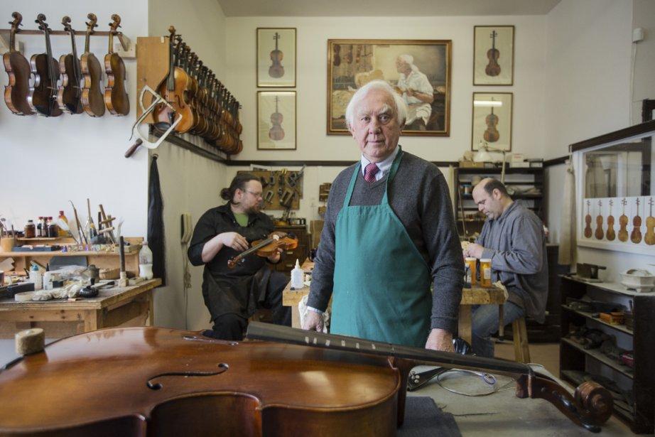 Forcé de trouver du travail rapidement à son arrivée à Montréal en 1959, Jules Saint-Michel, qui jouait du violon depuis l'âge de trois ans, devint luthier. Une profession qui lui procura une renommée internationale. | 10 avril 2013