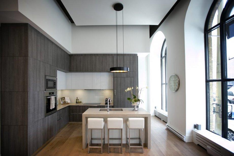 Dans le bureau des ventes, on peut voir un exemple des cuisines haut de gamme conçues et fabriquées par l'entreprise italienne GD Cucine. | 10 avril 2013
