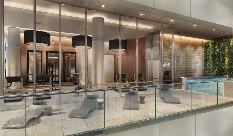 La salle d'entraînement et la piscine de nage à contre-courant seront aménagés au deuxième étage, doté d'un plafond de 15 pieds de haut. | 10 avril 2013