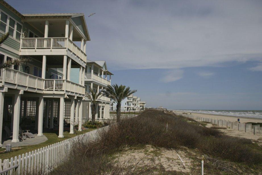 De vastes maisons sur la plage sont offertes... (Photo Valérie Simard, La Presse)