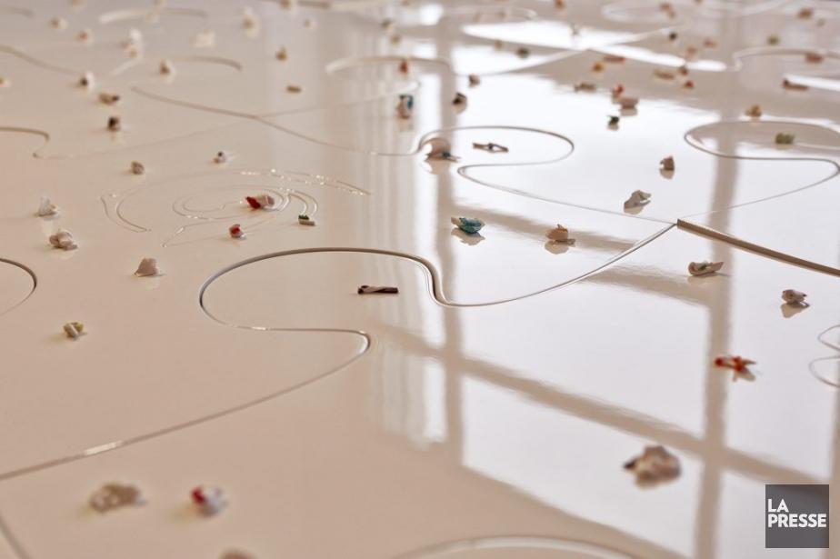 La table du sculpteur Michel Goulet, exposée à... (PHOTO ULYSSE LEMERISE, COLLABORATION SPÉCIALE)