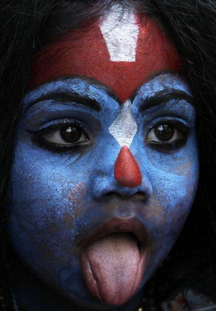 Une fillette déguisée comme la déesse Kali lors de la célébration du Gudi Padwa à Mumbai en Inde | 12 avril 2013