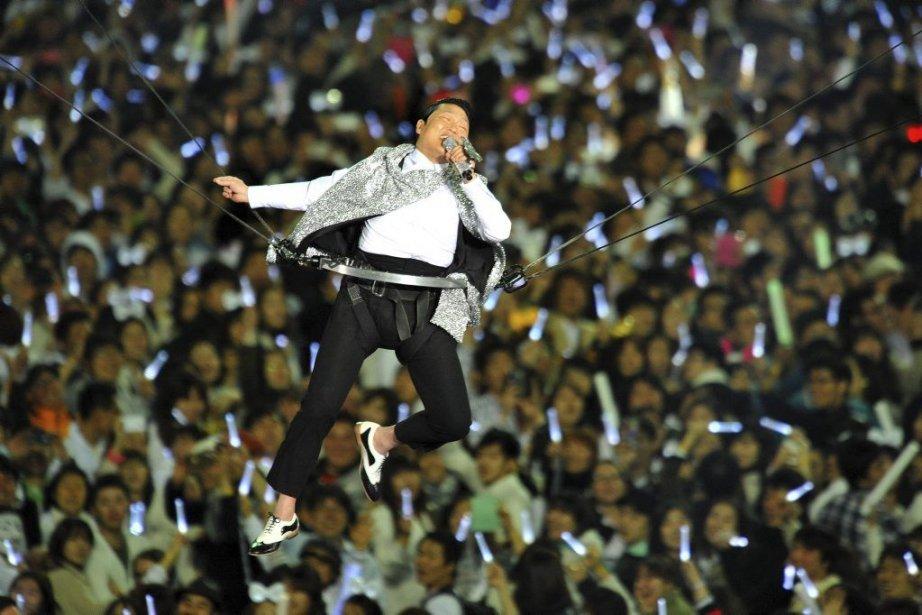 Psy a chanté une vingtaine de ses titres... (PHOTO KIM JAE-HWAN, AFP)