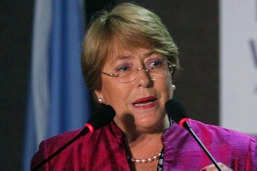 À l'heure actuelle, Michelle Bachelet mène dans les... (Photo Paulo Whitaker, REUTERS)
