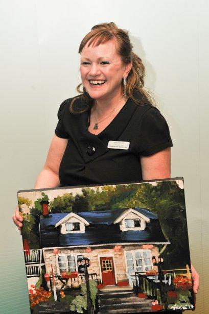 La propriétaire de l'Auberge de Mon Petit Chum B&B, Dawn Airey, a remporté le prix dans la catégorie Hébergement - Gîtes. (Martin Roy, LeDroit)