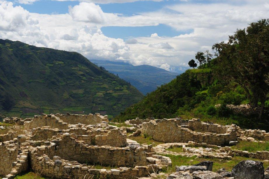 L'autocar a chuté d'une autoroute des Andes avant... (Photo RelaxNews)
