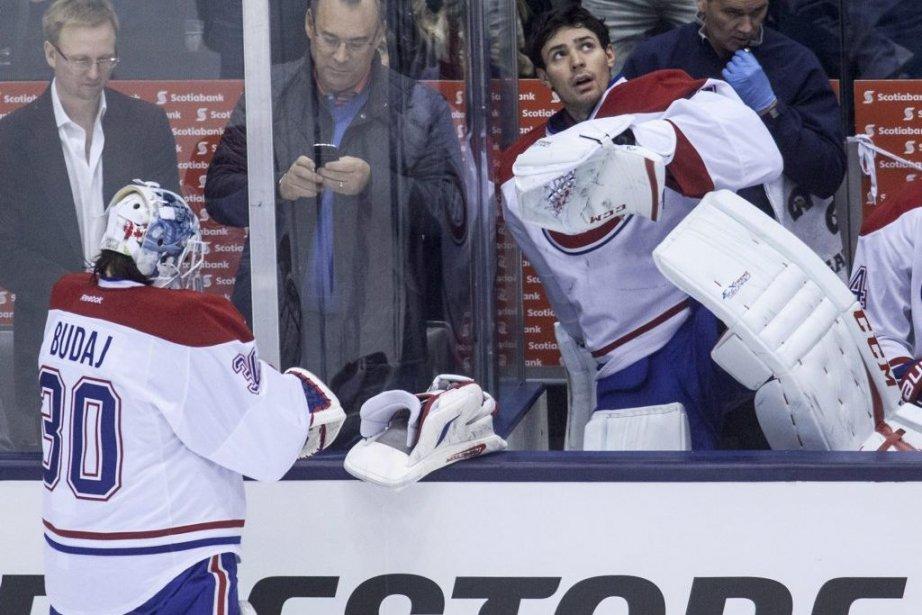 Carey Price (à droite) hérite du bonnet d'âne.... (Photo Jesse Johnston, La Presse Canadienne)