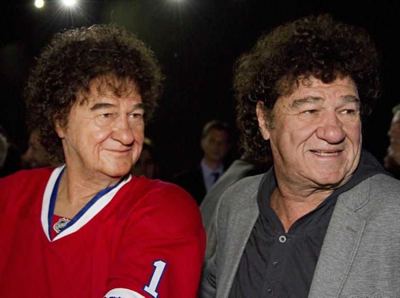 Robert Charlebois était surpris de voir à quel point son double lui ressemblait. «Même nos cheveux sont identiques!» a dit le chanteur, qui était accompagné de toute sa famille. | 18 avril 2013