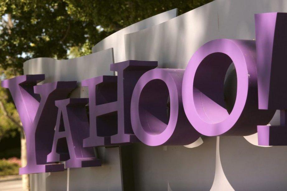 Le logo de Yahoo! au siège social de... (PHOTO ROBERT GALBRAITH, REUTERS)