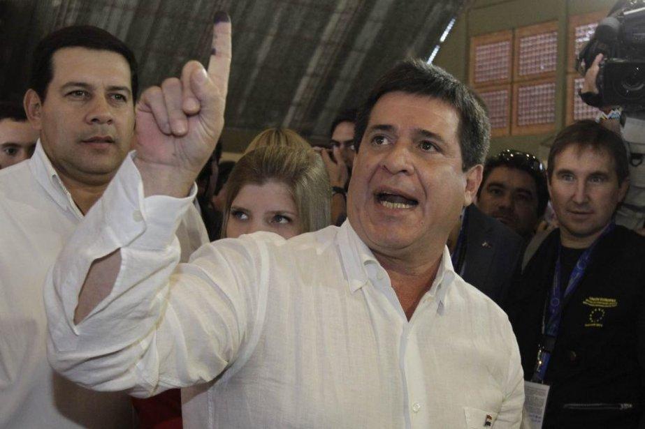 Le riche entrepreneur Horacio Cartès a remporté haut la main... (Photo Reuters)
