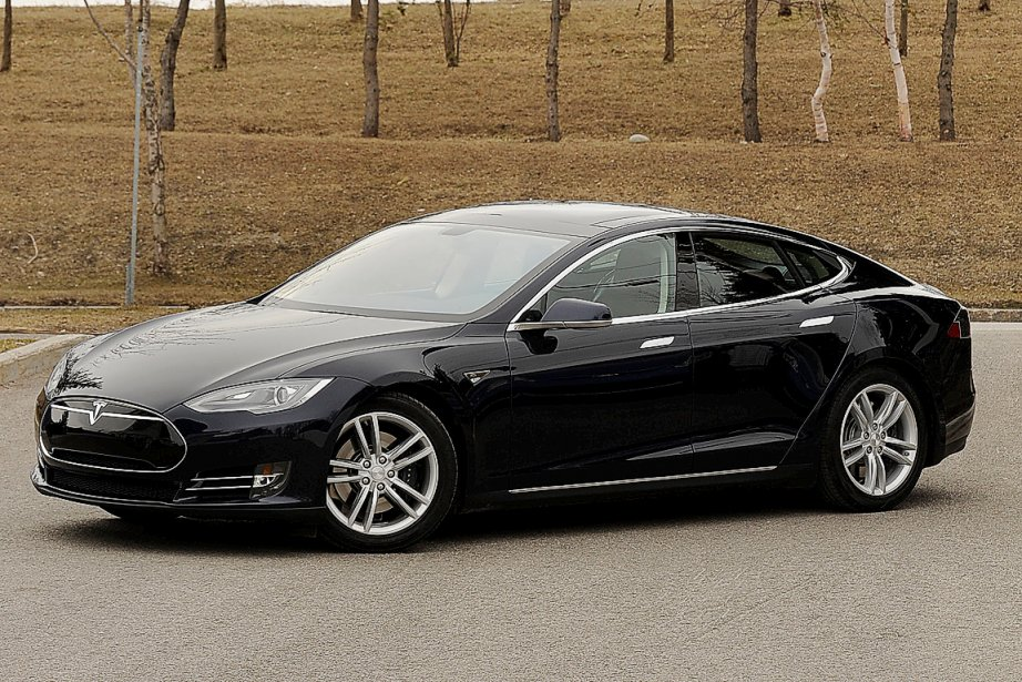 l 39 lectrisante tesla model s paul robert raymond automobile. Black Bedroom Furniture Sets. Home Design Ideas