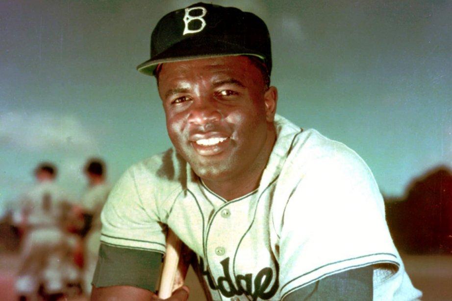Jackie Robinson en 1952 alors qu'il évoluait pour... (Photo archives AP)