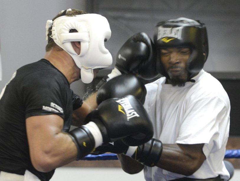 Lucian Bute travaille notamment avec l'Américain Chris Henry (26-2, 21 K.-O.) pour le «sparring». | 23 avril 2013