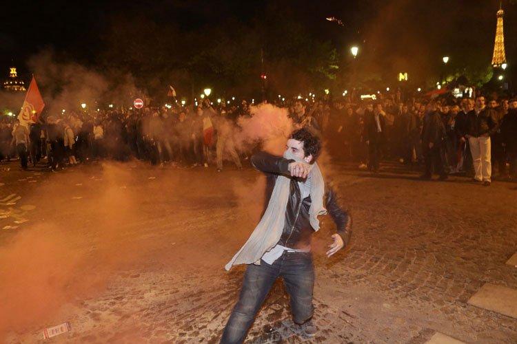 Les pro ont rassemblé 2500 personnes à Paris... (Photo: Reuters)