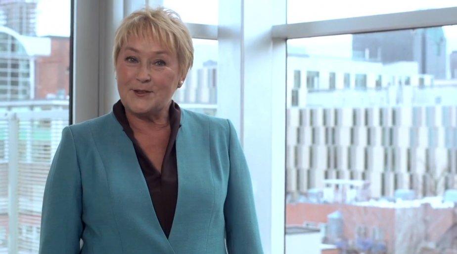La première ministre Pauline Marois dans l'un des... (Image tirée de YouTube)