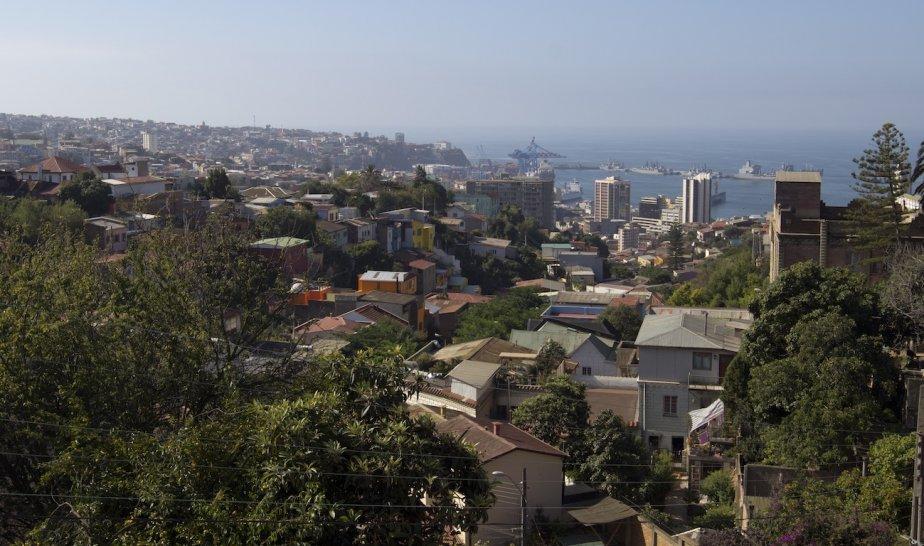 Vue sur Valparaiso à partir de la rue Alemania. (Photo François Roy, La Presse)