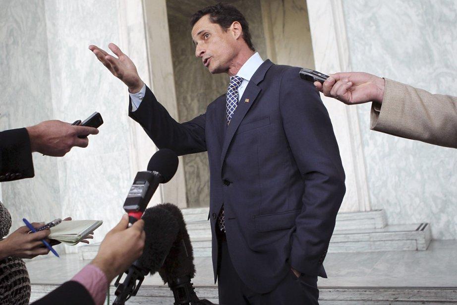 Lorsqu'Anthony Weiner s'était fait pincer pour avoir envoyé... (PHOTO ALEX WONG, ARCHIVES AFP)