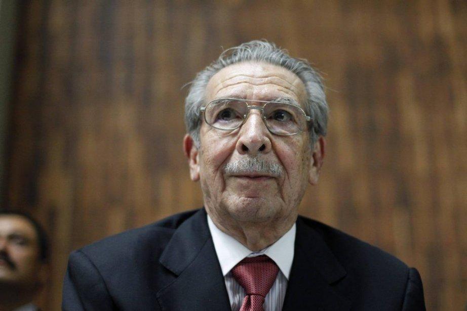 Efrain Rios Montt, 86 ans, est accusé d'être... (PHOTO JORGE DAN LOPEZ, REUTERS)