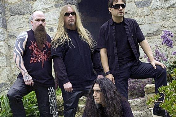 Jeff Hanneman (debout, au centre) est  décédé... (Photo Photothèque La Presse)