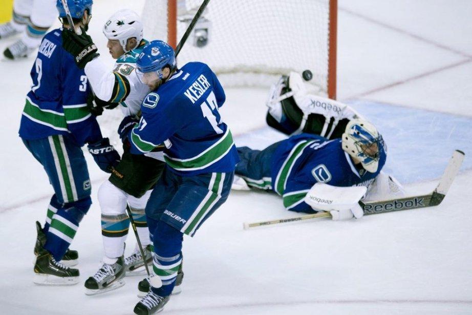 Raffi Torres a marqué le but gagnant en... (Photo Jonathan Hayward, La Presse Canadienne)