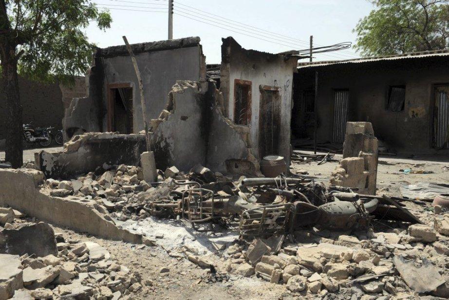 Cette photo du 30 avril montre des maisons... (PHOTO PIUS UTOMI EKPEI, AFP)