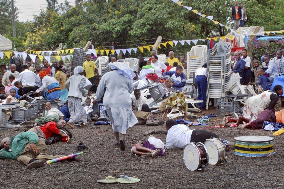 L'attentat contre une église d'Arusha a fait 2... (PHOTO AP)