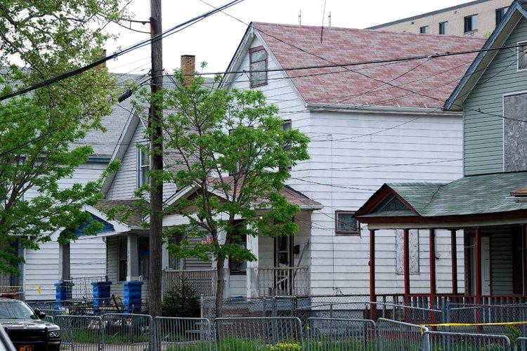 La maison où tout est arrivé est, effroyablement,... (Photo: AFP)
