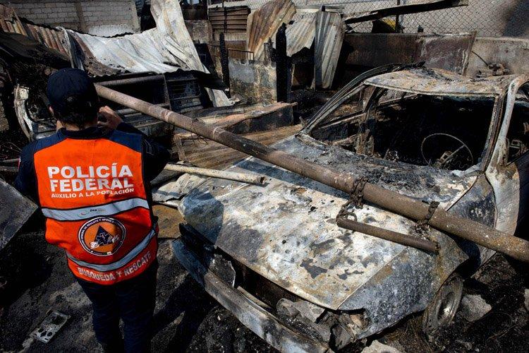 L'explosion a semé destruction et mort aux alentours,... (Photo: AFP)