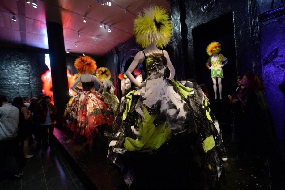 Punk: Chaos to Couture présente plus d'une centaine... (Photo: AFP)